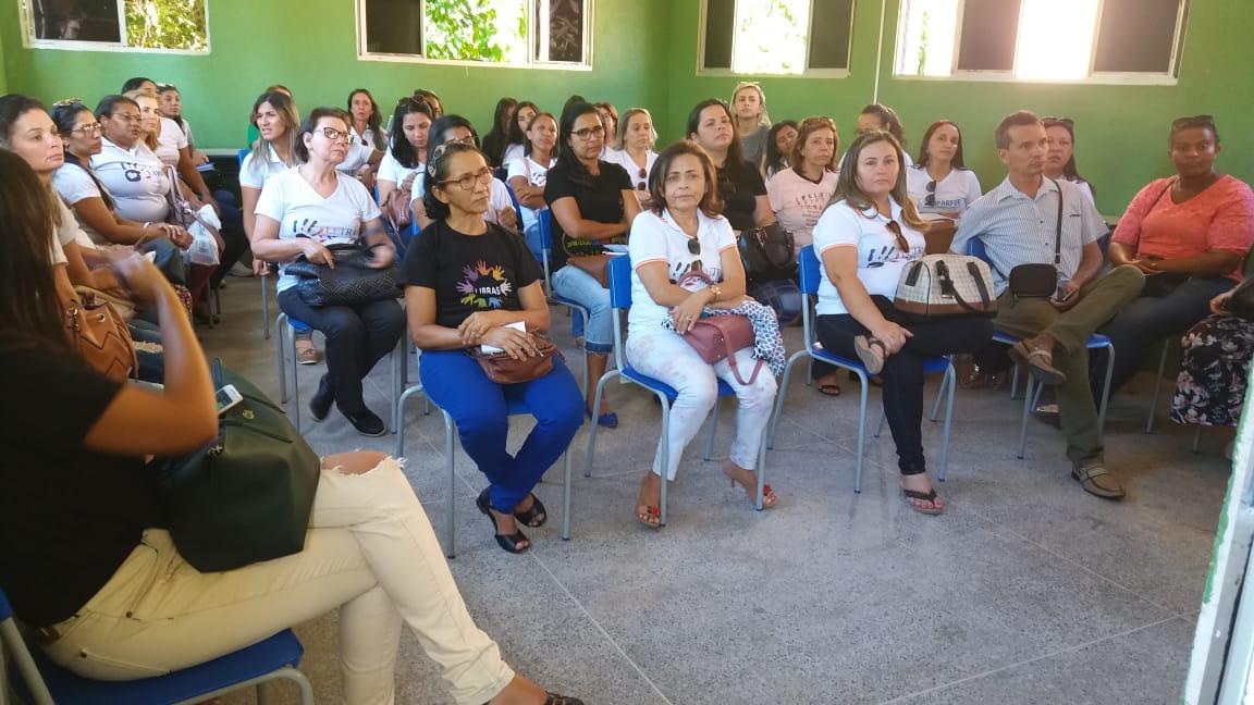 Uma das escolas visitadas foi o Instituto Cearense de Educação de Surdos (ICES)